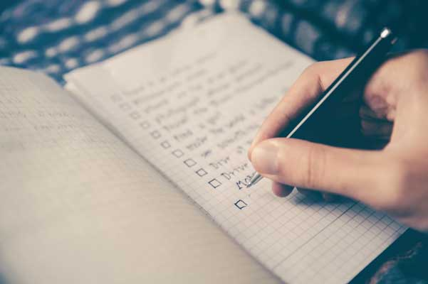 Things-To-Help-You-Focus-Make-A-To-Do-List